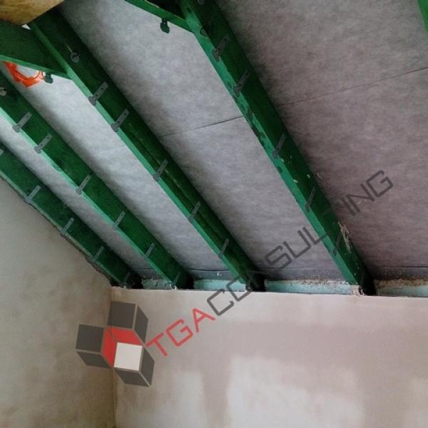 Izolacja poddasz pianą - natrysk na membranę